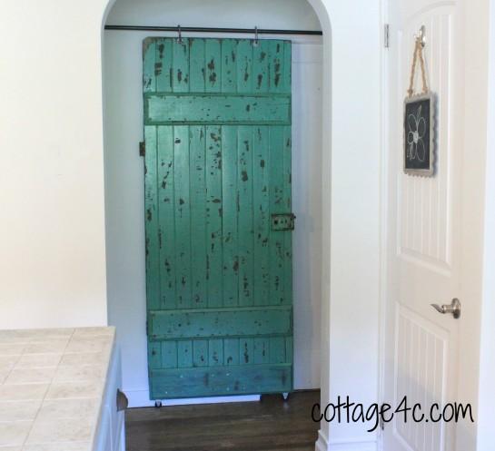 DIY Sliding Barn Door 545 x 497